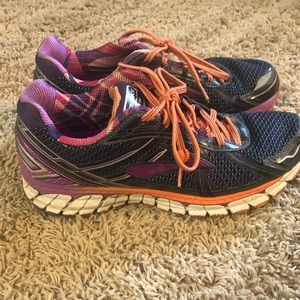 Brooks adrenaline gts running shoe